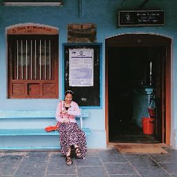 railwaystation train girl waiting photography